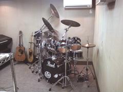 ドラムを配置